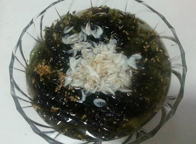 紫菜虾皮汤的做法